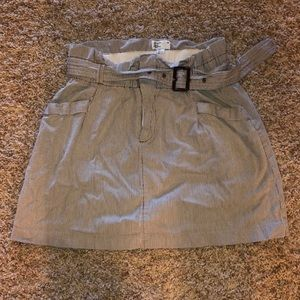 Beige pinstriped skirt from AE, size s/p